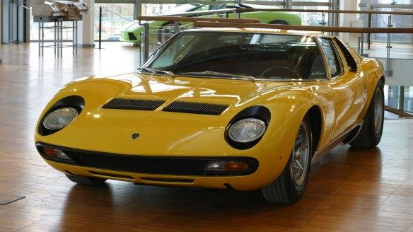 Lamborghini Miura exposto no museu da marca
